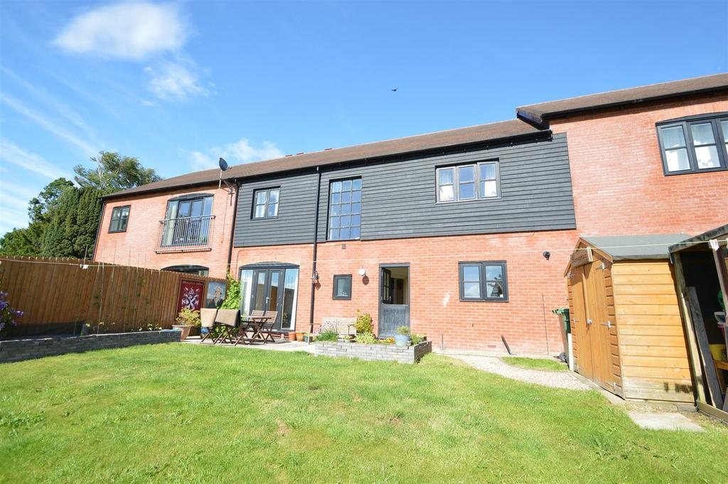 4 Bedrooms Terraced House for sale in 12 Bassa Road, Baschurch SY4 2GE