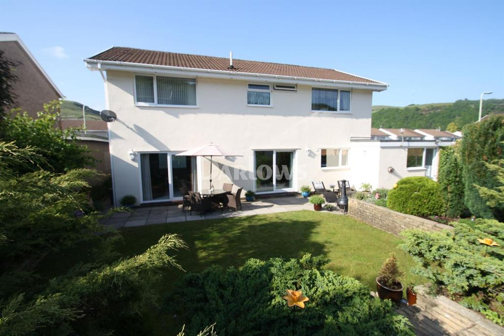 4 Bedrooms Detached House for sale in Caemawr Gardens, Porth