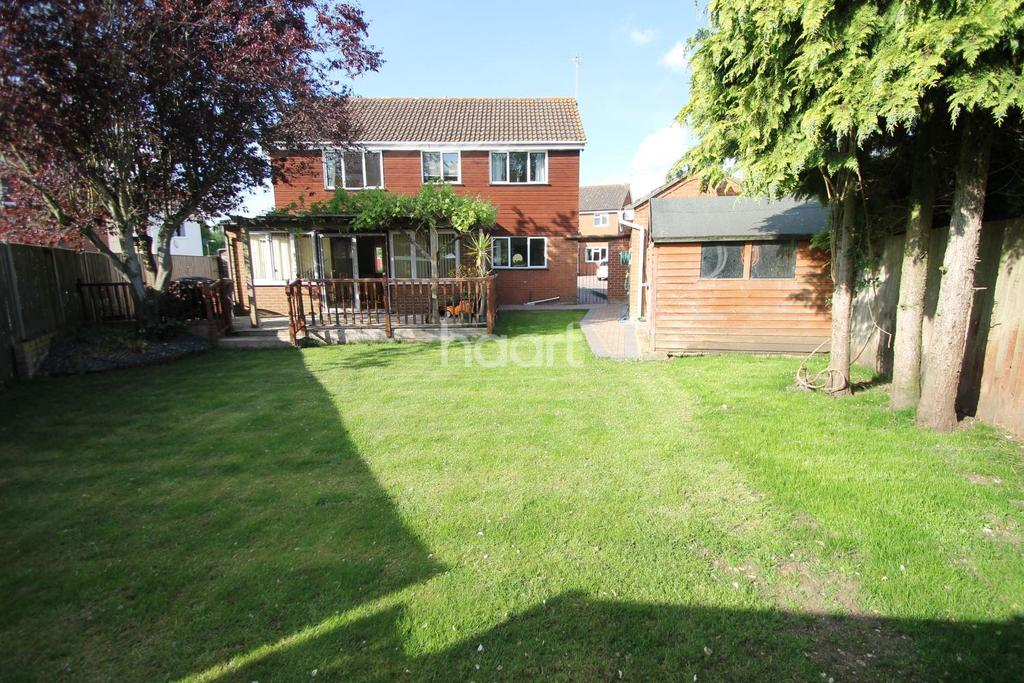 4 Bedrooms Detached House for sale in Raedwald Drive, Bury St Edmunds
