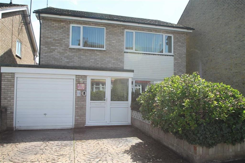 4 Bedrooms House for sale in St Georges Park Avenue, Westcliff On Sea, Essex