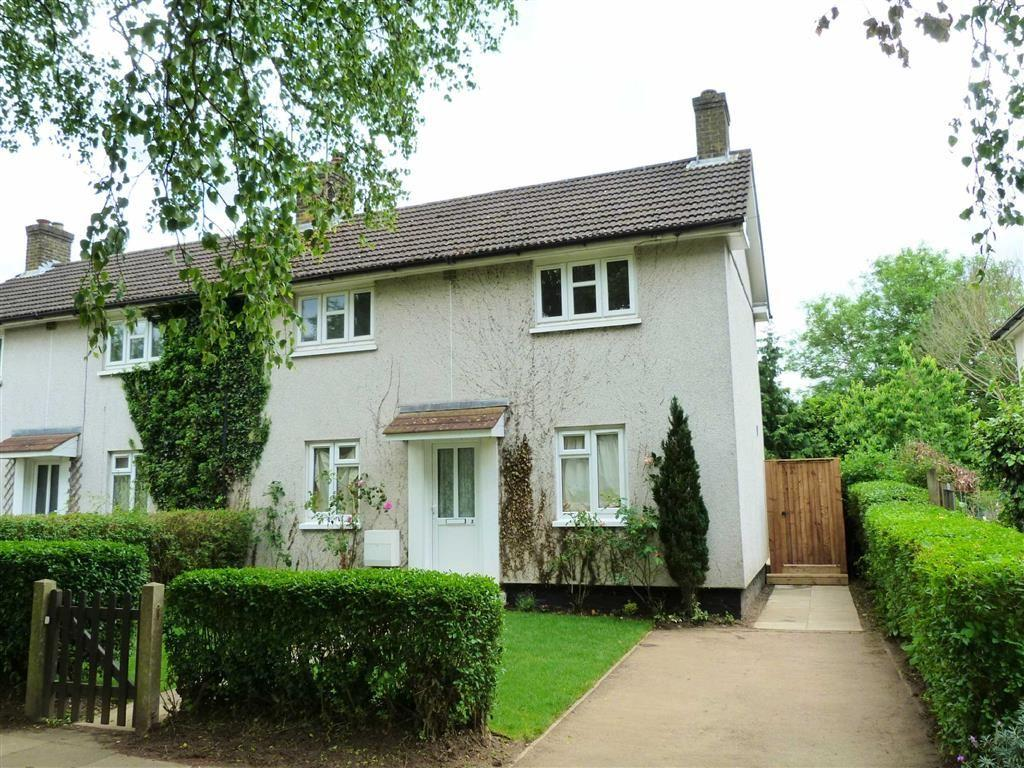 3 Bedrooms Semi Detached House for sale in Birdcroft Road, West Side, Welwyn Garden City
