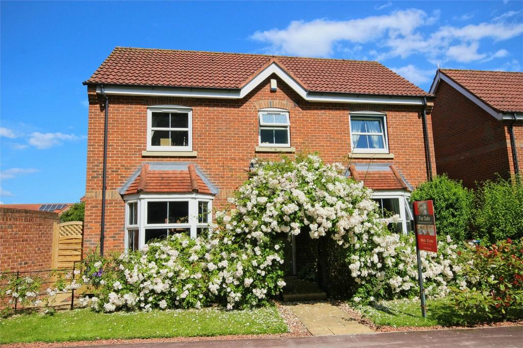 4 Bedrooms Detached House for sale in Shinewater Park, Kingswood, Hull, East Riding of Yorkshire
