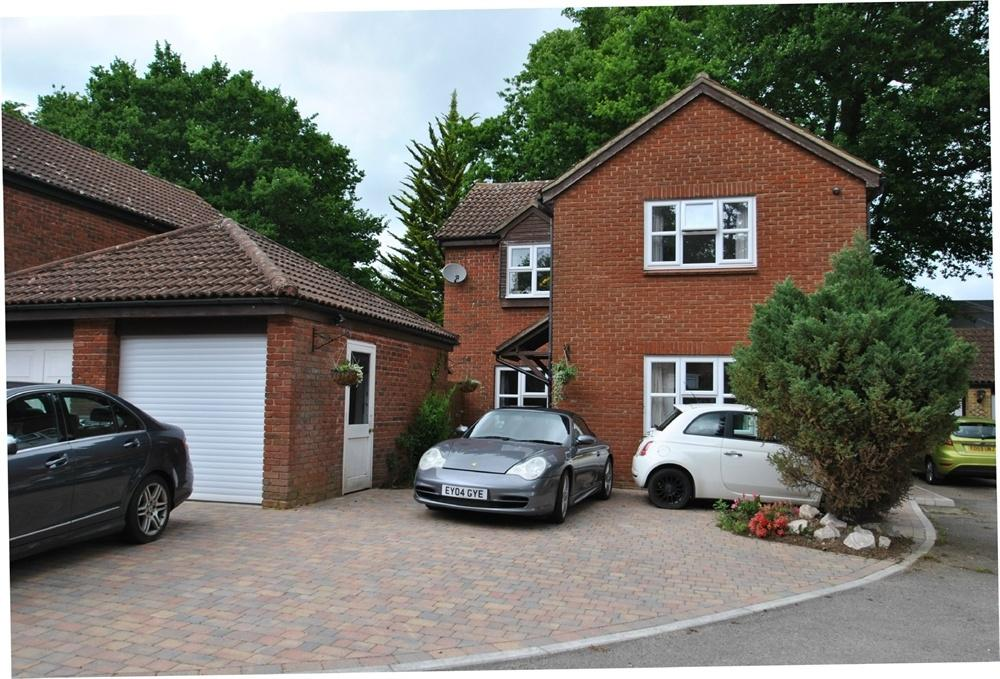 4 Bedrooms Detached House for sale in Buttermere, White Court, Gt Notley, BRAINTREE, Essex