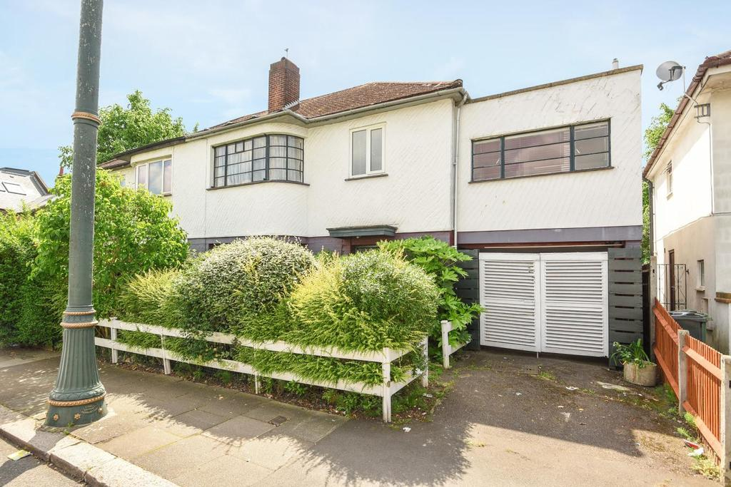 4 Bedrooms Semi Detached House for sale in St. Julians Farm Road, West Norwood, SE27