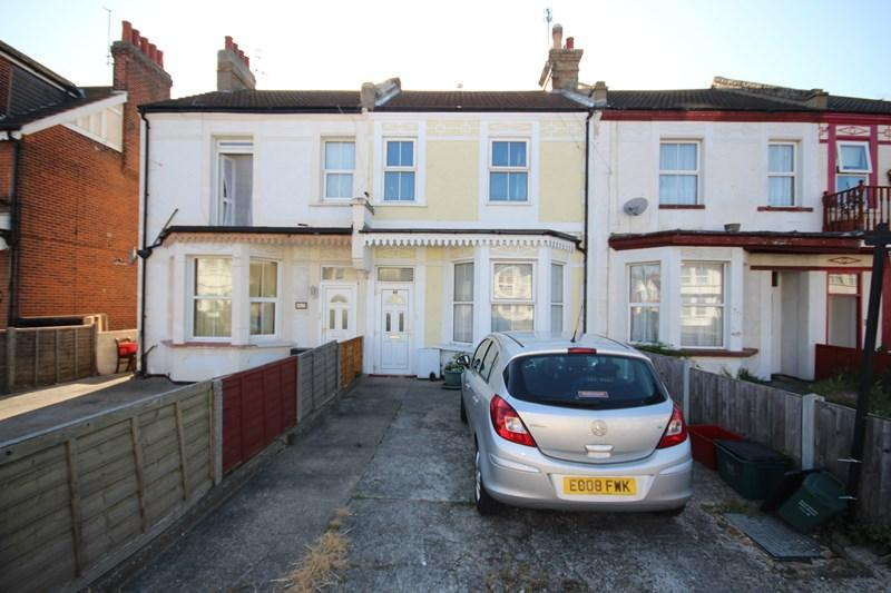 4 Bedrooms Terraced House for sale in Hayes Road, Clacton-On-Sea