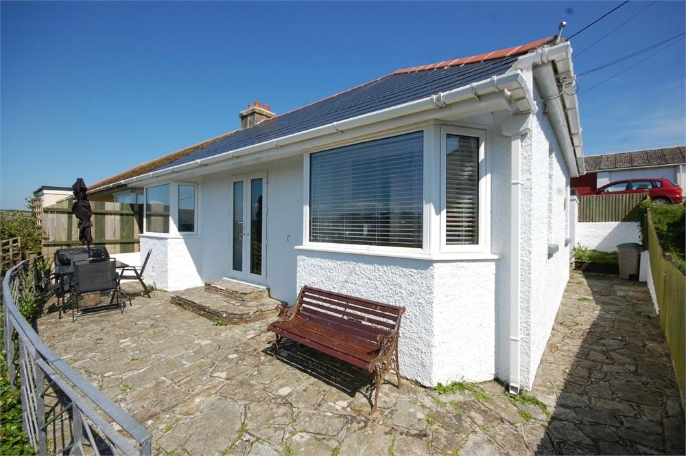 2 Bedrooms Semi Detached Bungalow for sale in Battery Park, Polruan, FOWEY, Cornwall