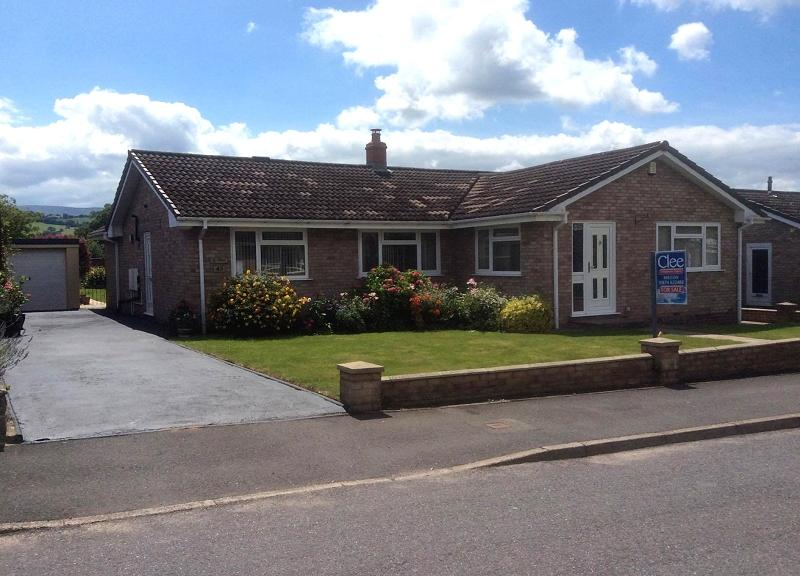 3 Bedrooms Bungalow for sale in Siriol, 45 Pendre Gardens, Brecon, Powys.