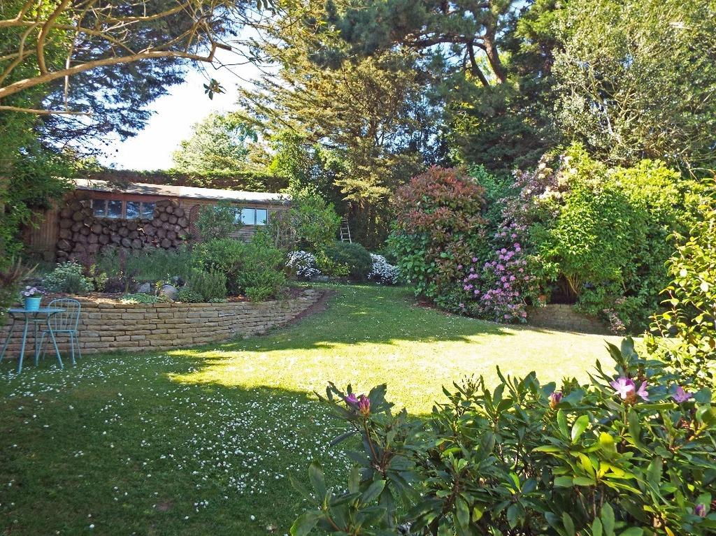 6 Bedrooms Detached House for sale in Hill Drive Hove East Sussex BN3