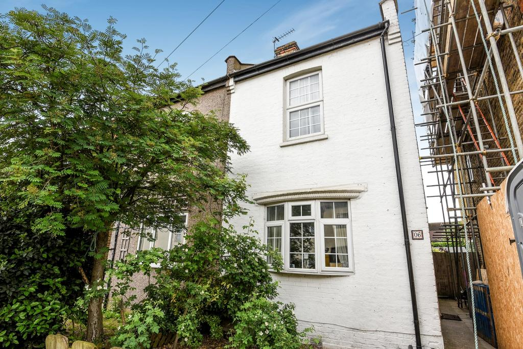 3 Bedrooms Semi Detached House for sale in Blandford Avenue Beckenham BR3