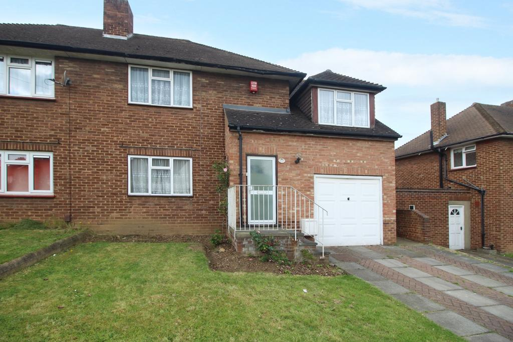 3 Bedrooms Semi Detached House for sale in Imperial Way Chislehurst BR7