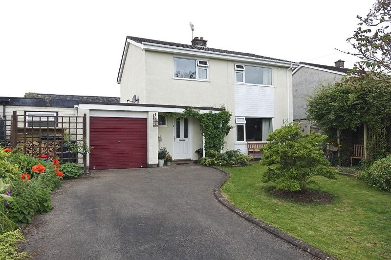 3 Bedrooms Detached House for sale in Bryn Celyn Way, Llangynidr, Crickhowell, Powys.