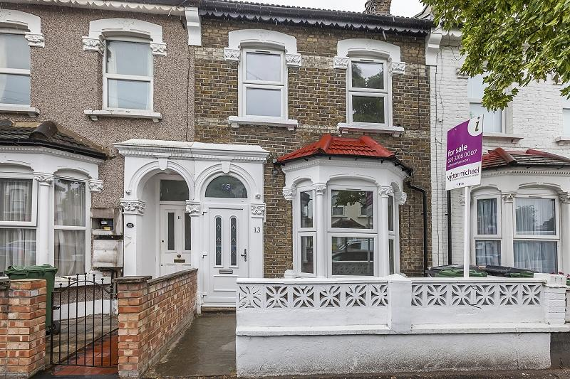 6 Bedrooms Terraced House for sale in Beaconsfield Road, London, Leyton. E10 5RD