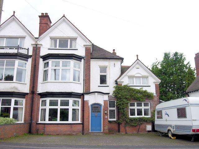 4 Bedrooms Semi Detached House for sale in Buchanan Road,Walsall,West Midlands
