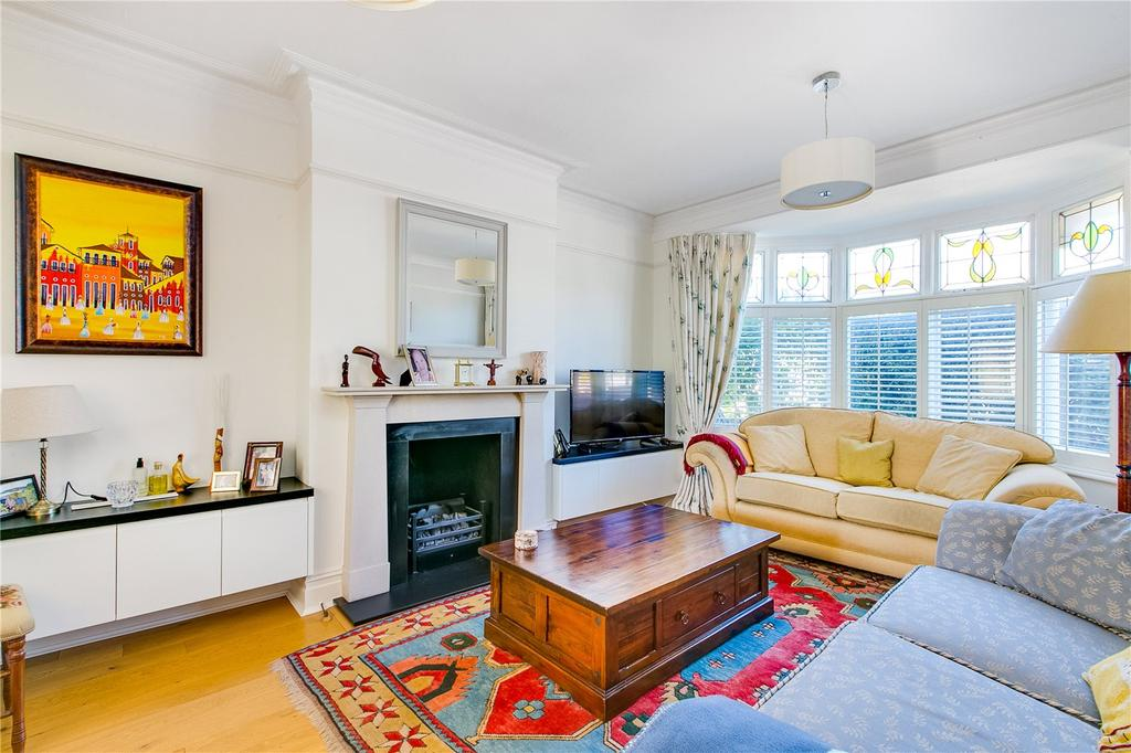 4 Bedrooms Semi Detached House for sale in South Worple Way, London