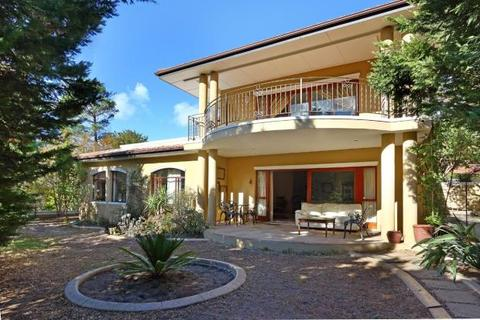 4 bedroom house  - Auction Of Tuscan Style Home, Harrow Lane, Constantia