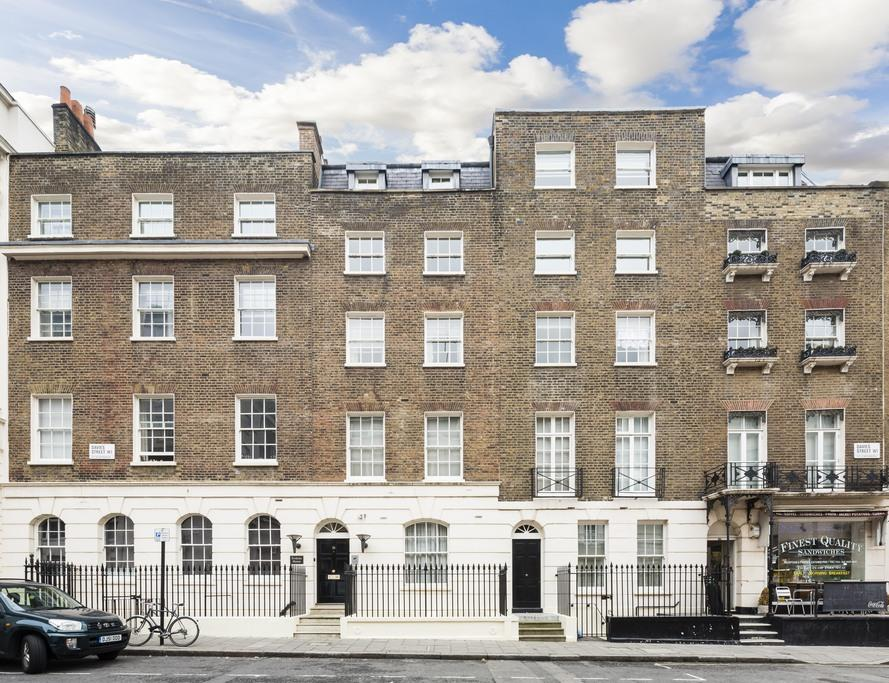 3 Bedrooms Ground Flat for sale in Davies Street, Mayfair, London, W1K