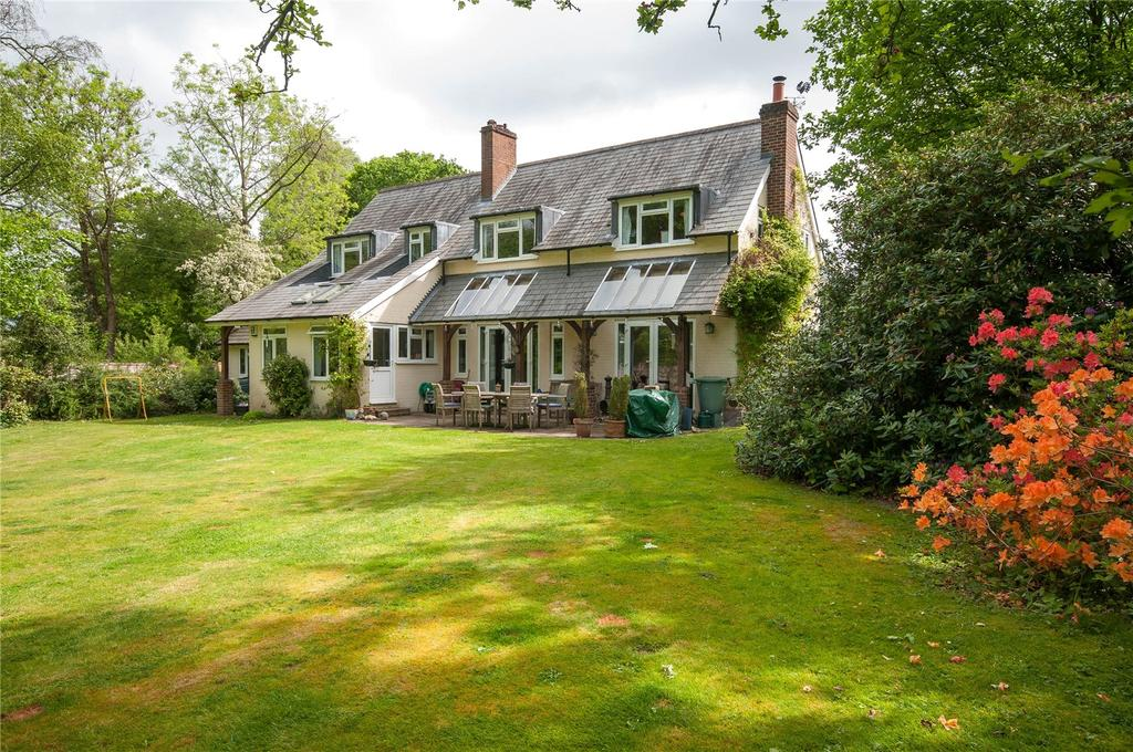 4 Bedrooms Detached House for sale in Broad Lane, Newdigate, Dorking, Surrey, RH5