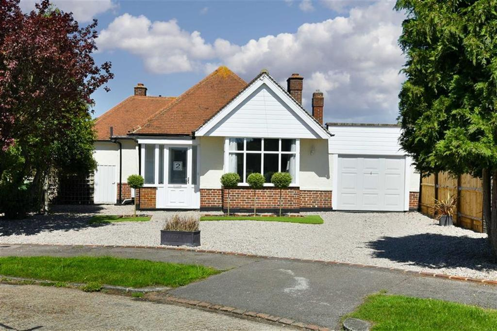 3 Bedrooms Detached Bungalow for sale in South Mead, Ewell, Surrey