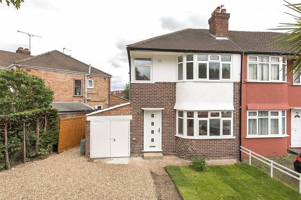 3 Bedrooms Semi Detached House for sale in Millet Road, Greenford, UB6