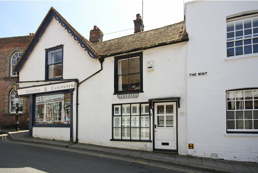 2 Bedrooms Cottage House for sale in High Street, Rye, East Sussex TN31 7JN