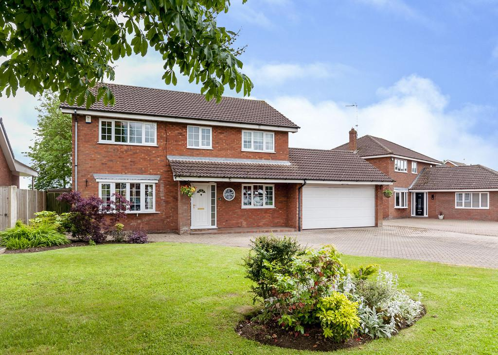 4 Bedrooms Detached House for sale in Meadow Drive, Tickhill