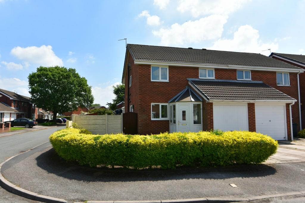 4 Bedrooms Semi Detached House for sale in Victoria Park, Old Skelmersdale