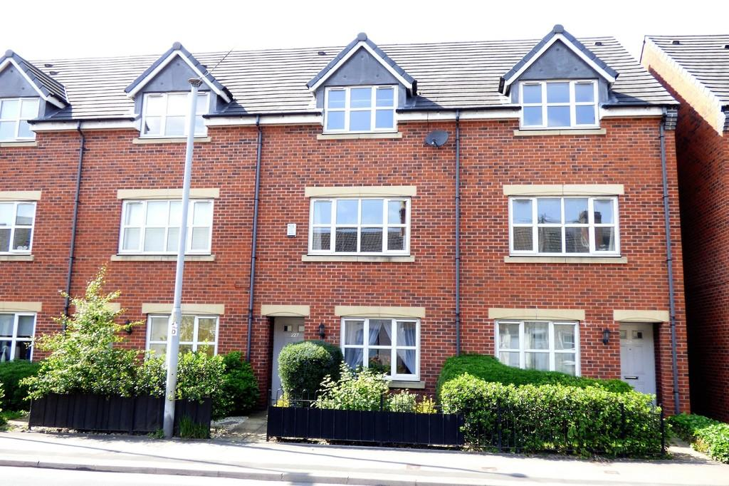 4 Bedrooms Town House for sale in Shobnall Street, Burton-on-Trent
