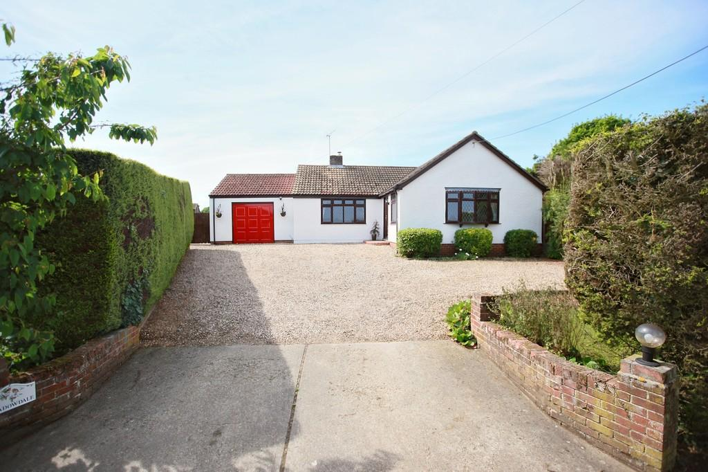 3 Bedrooms Detached Bungalow for sale in Pudding Lane, Birch, West of Colchester