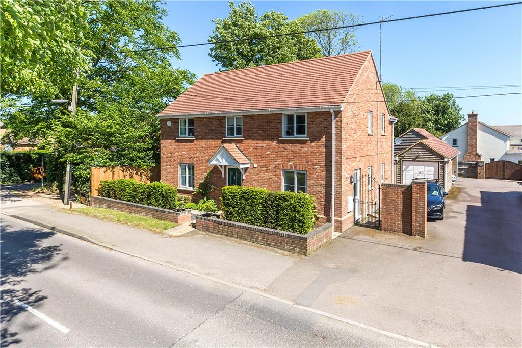 4 Bedrooms Detached House for sale in Common Road, Kensworth, Dunstable, Bedfordshire