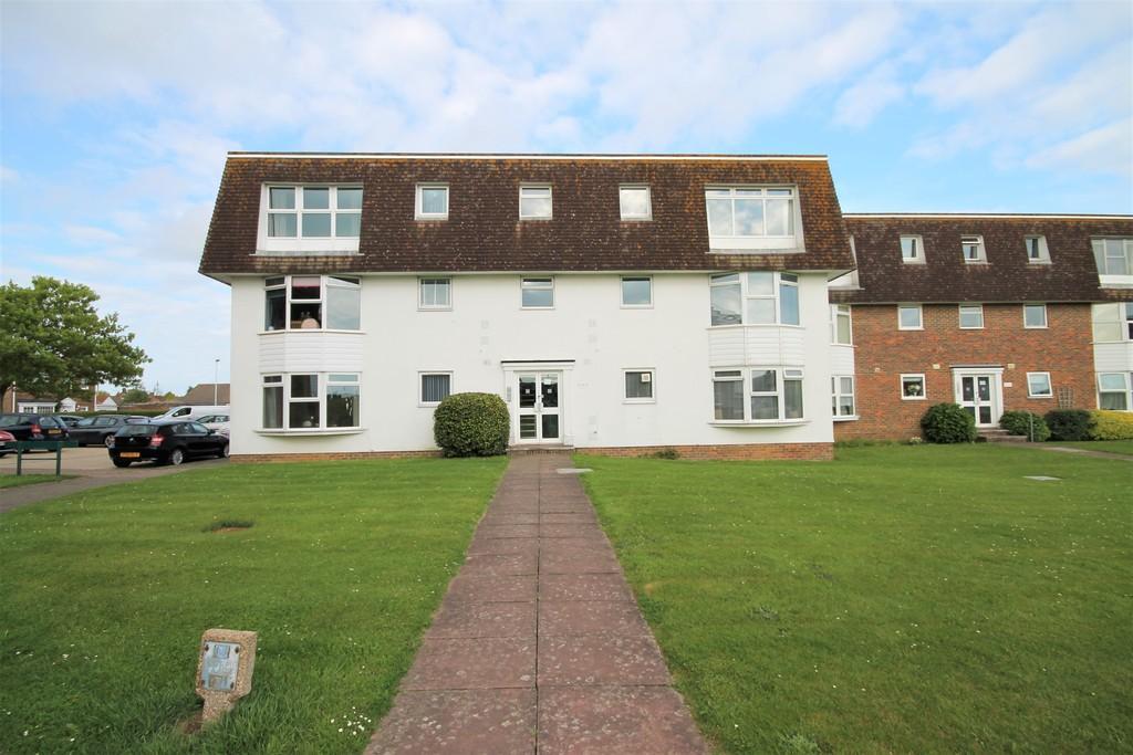 Westlake Gardens, Worthing BN13 1LF 1 bed apartment - £169,950