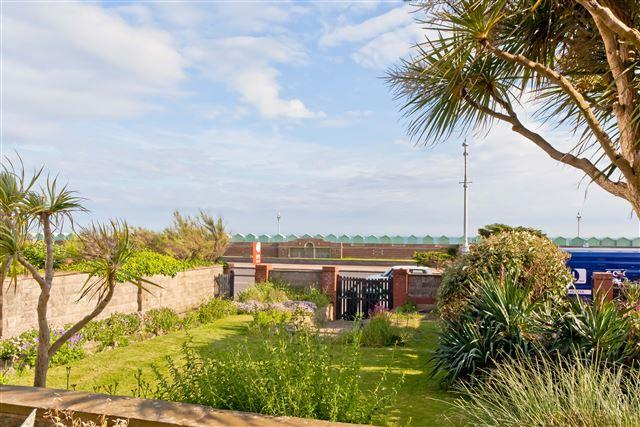 7 Bedrooms Semi Detached House for sale in Kingsway, Hove