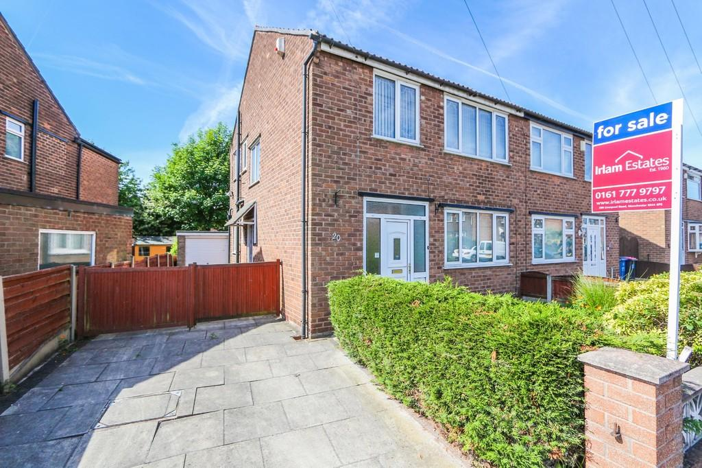3 Bedrooms Semi Detached House for sale in 20 Broadway Irlam