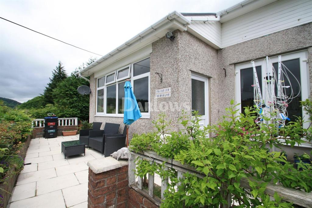 2 Bedrooms Bungalow for sale in Pen y Graig Terrace, Brynithel, Abertilley, Gwent