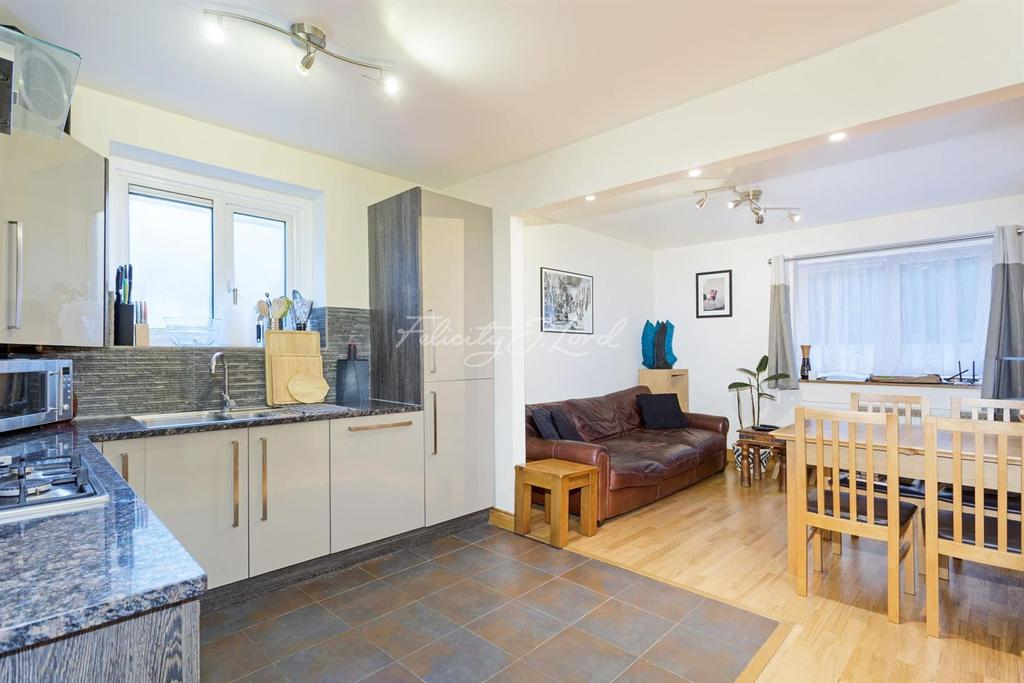 2 Bedrooms Flat for sale in Wynyatt Street, EC1V