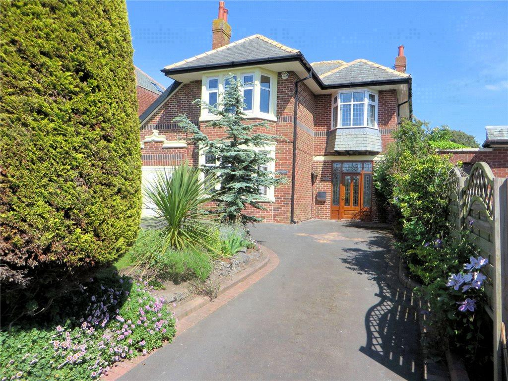 4 Bedrooms Detached House for sale in Devonshire Road, Bispham, Blackpool