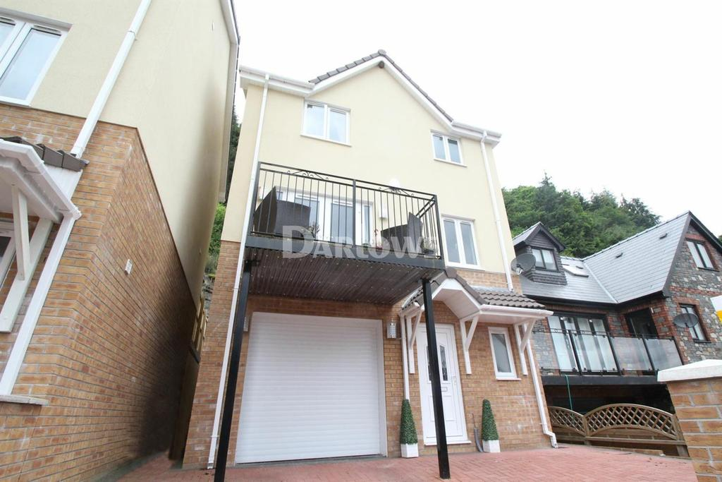 4 Bedrooms Detached House for sale in The Glade, Blackwood