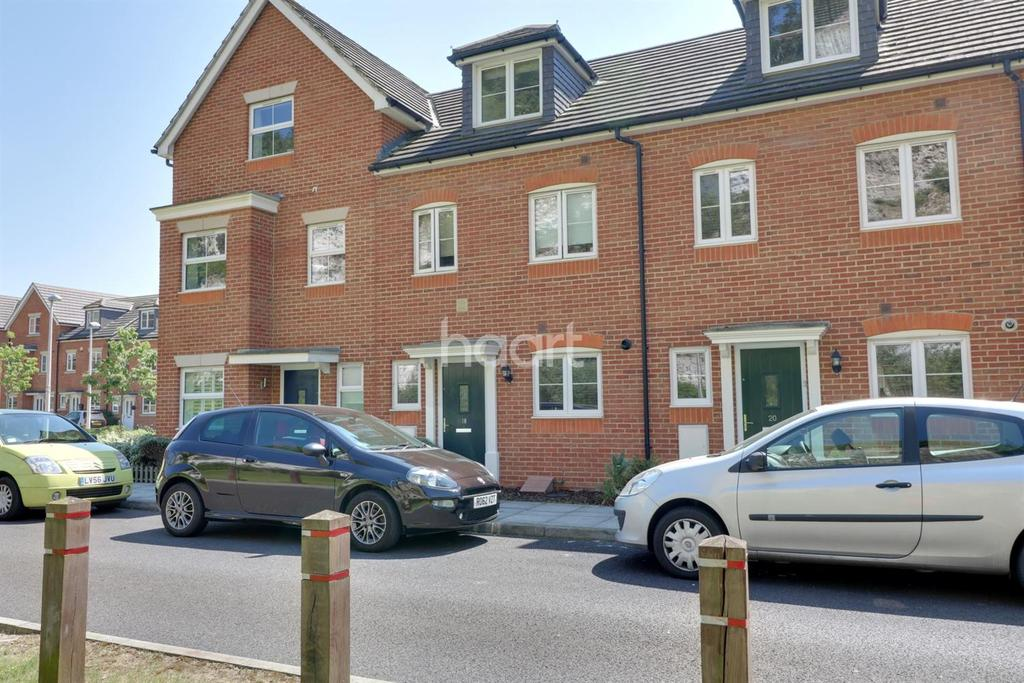 3 Bedrooms Terraced House for sale in ME2, Rochester