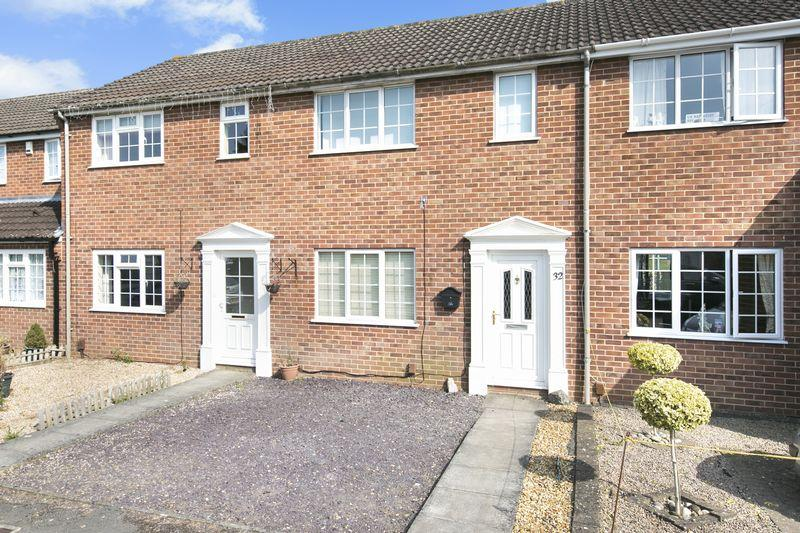 3 Bedrooms Terraced House for sale in Brookmead, Southwick