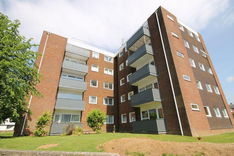 2 Bedrooms Flat for sale in Tower House, Silverdale Road, Burgess Hill, West Sussex