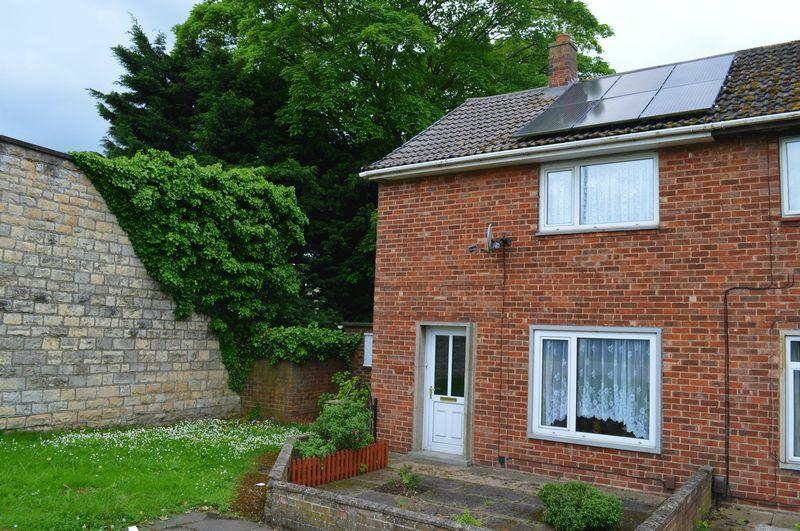 2 Bedrooms Semi Detached House for sale in Riseholme Road, Lincoln