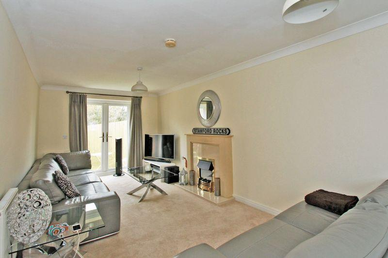 5 Bedrooms Semi Detached House for sale in Laughton Drive, Stamford