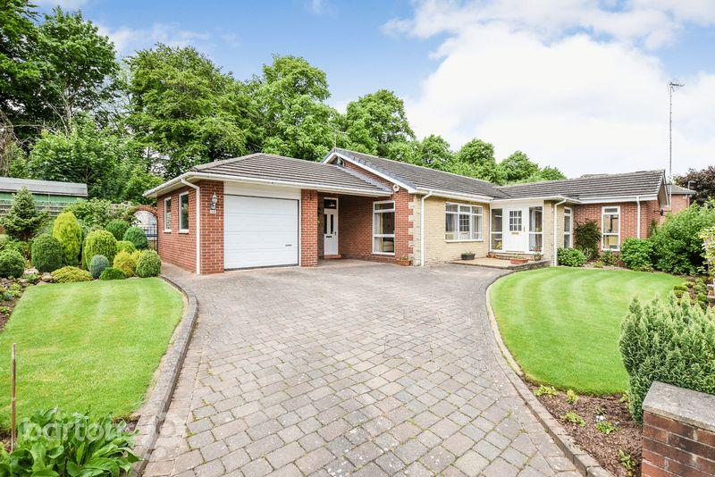 4 Bedrooms Detached Bungalow for sale in Queensway, Moorgate