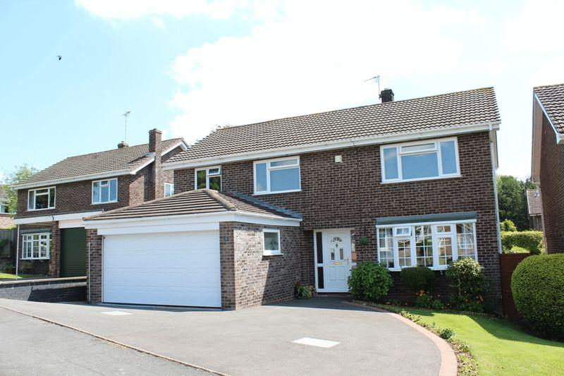 4 Bedrooms Detached House for sale in Chestnut Close, Hanwood, Shrewsbury, SY5 8RB