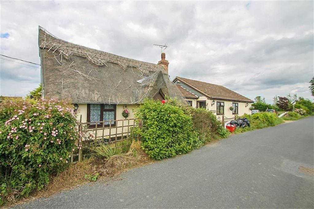4 Bedrooms Detached House for sale in Aingers Green Road, Great Bentley