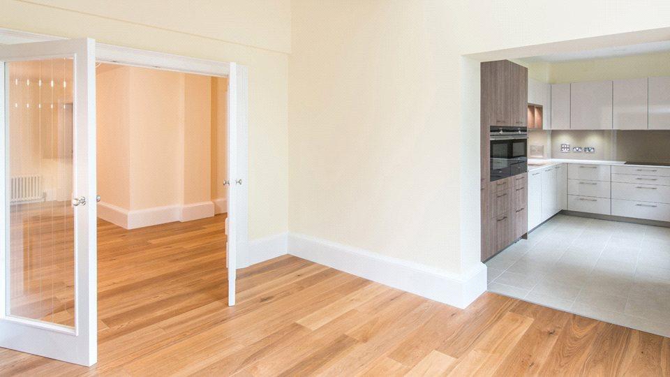 2 Bedrooms Flat for sale in Apt 6 Eighteen Murrayfield Road, Edinburgh, EH12