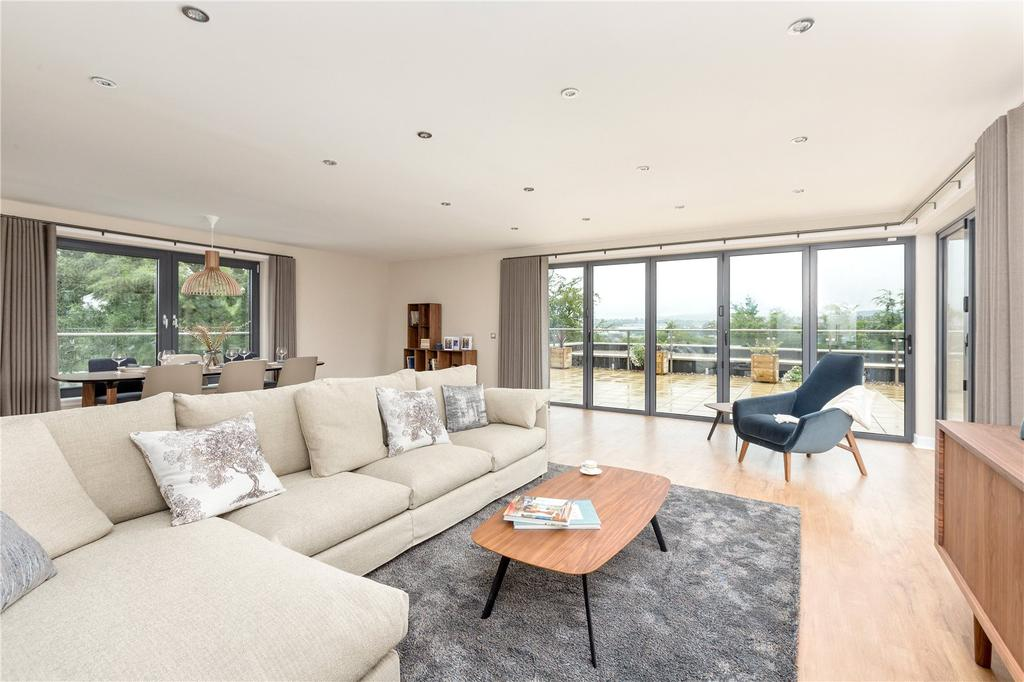 3 Bedrooms Penthouse Flat for sale in Penthouse Eighteen Murrayfield Road, Edinburgh, EH12