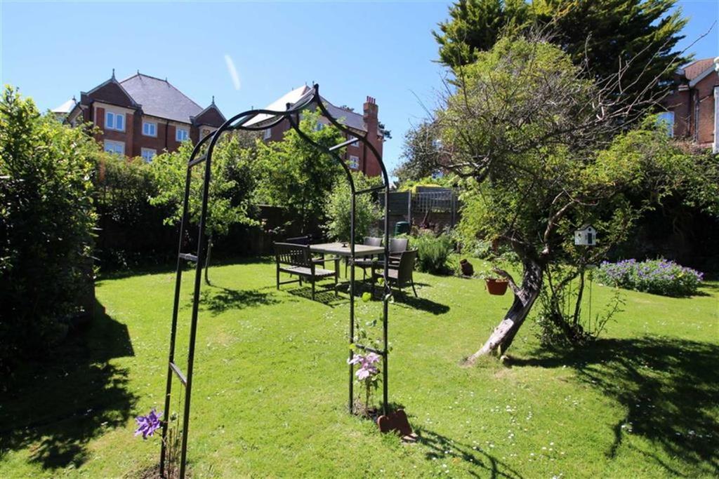 Properties For Sale St Leonards Gardens