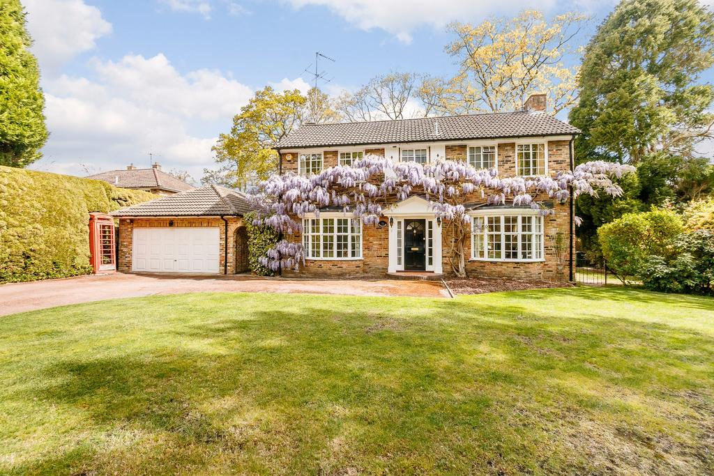 4 Bedrooms Detached House for sale in Pinecote Drive, Sunningdale
