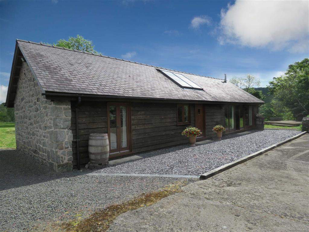 2 Bedrooms Barn Conversion Character Property for sale in Meifod, SY22