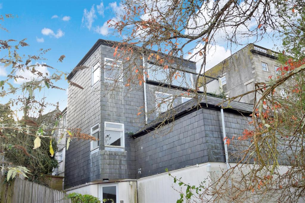 2 Bedrooms Apartment Flat for sale in Permarin Road, Penryn